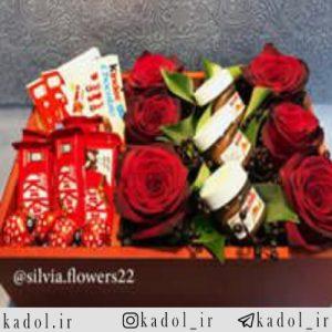 جعبه گل 6 شاخه با انواع شکلات