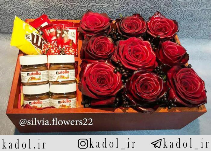 باکس گل 9 شاخه و شکلات