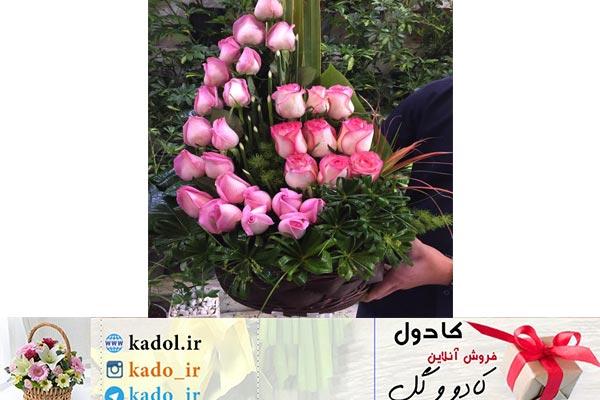 سبد گل رز سفید صورتی متوسط